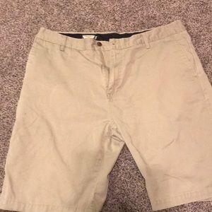 Volcom shorts size 38